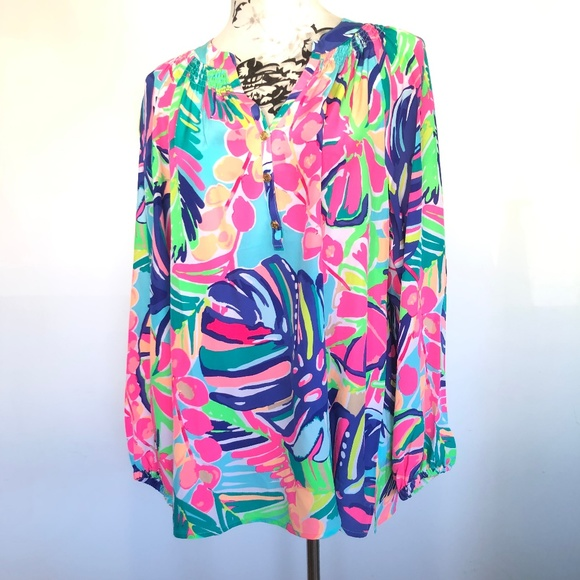60df9643f74e71 Lilly Pulitzer Tops - NWOT Lilly Pulitzer Long Sleeve Elsa Exotic BLouse